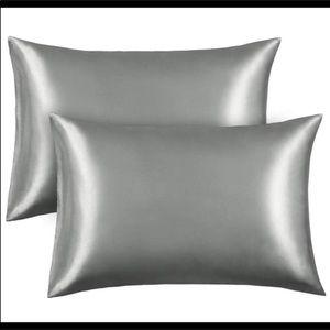 Satin pillowcases (2) silver/gray Standard New
